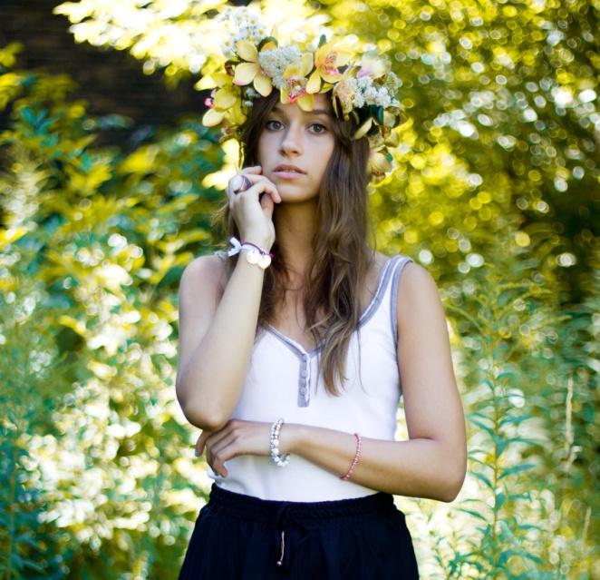 8b, dziewczyna, fashion, glamour, kobieta, kwiaty, moda, portret, wianek