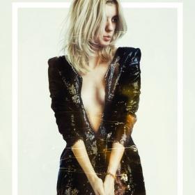 sukienka z czarnych cekinów